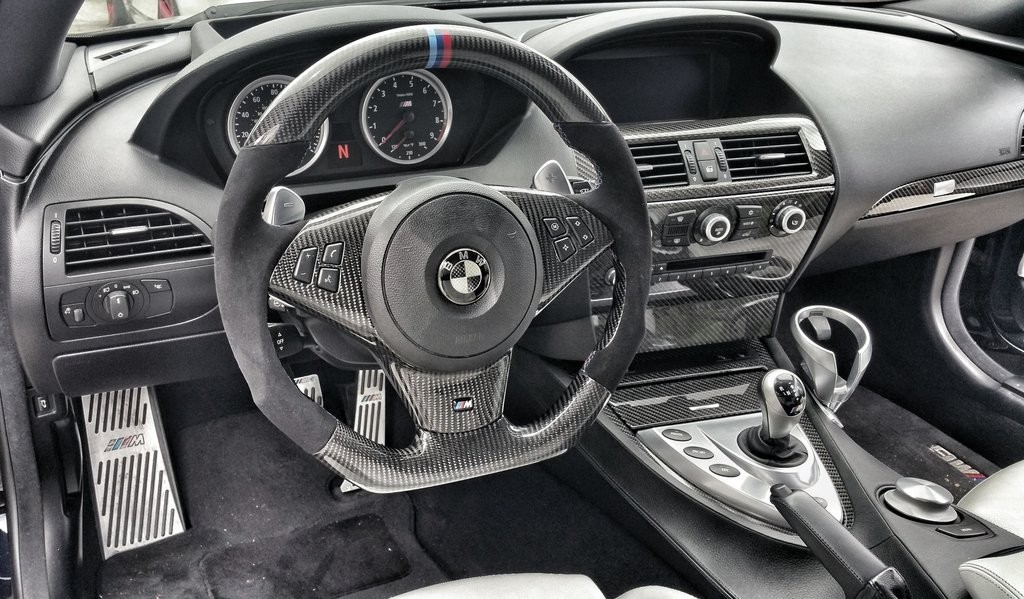 Dinmann Custom Carbon Fiber Steering Wheel Bmw E60 M5
